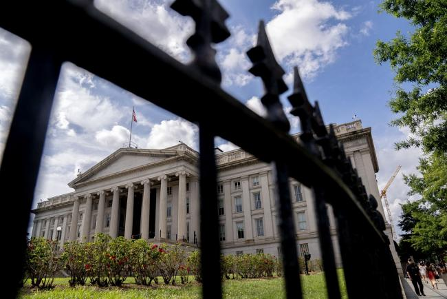 Treasury to Flag Stablecoin Perils as U.S. Readies Clampdown