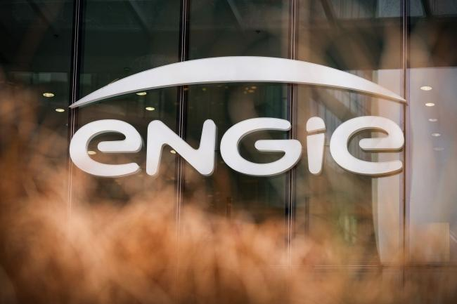 © Bloomberg. A logo on the Engie SA headquarters in the La Defense business district in Paris. Photographer: Benjamin Girette/Bloomberg